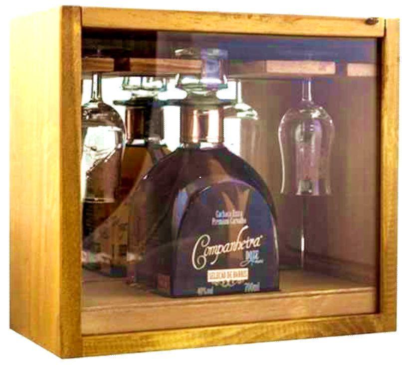 Kit para presente, caixa madeira, garrafa 700ml e duas taças